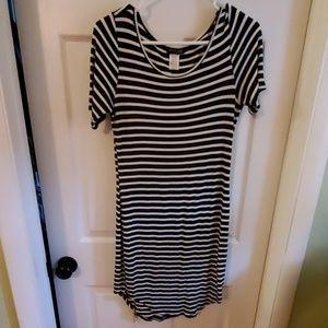 Dresses & Skirts - Comfy Maternity Dress